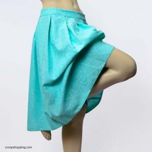 Short frill skirt